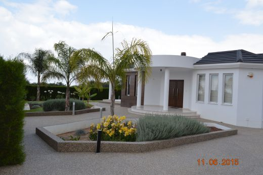 Private 3 Bedroom & Studio Annex Villa with 600 meters from the beach in Chlorakas