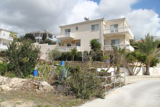 Detached 3 Bedroom Villa with Sea Views - Peyia