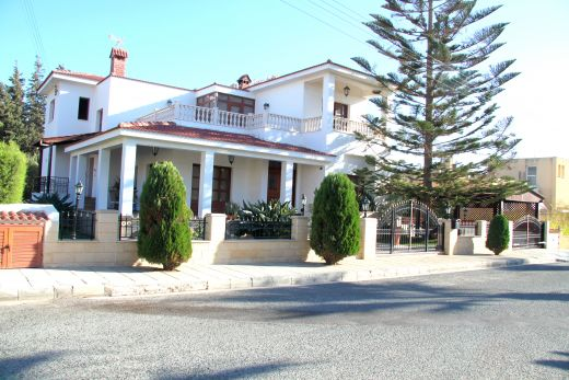 Luxury 6 bedroom Villa for sale in the Universal Area - Paphos