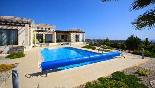 3 Bedroom Detached Property in Cul-De-Sac Location with Sea Views in Secret Valley