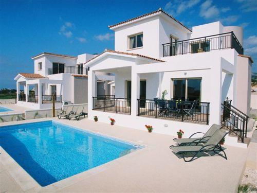 Coralia Dream Villa, 3 Bedroom Private Villas with 2 minutes walk to the  beach in Coral Bay