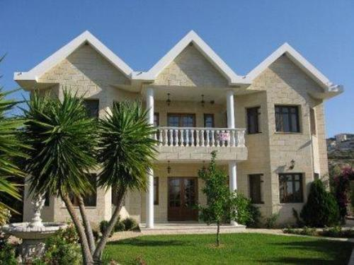 Exquisite 4 Bedroom Villa on a Huge Plot - Overlooking Limassol Bay