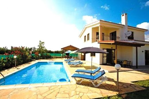 4 Bedroom Detached Villa, 700m from Beach - Coral Bay