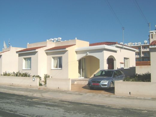 3 Bedroom Bungalow for sale in Kato Paphos