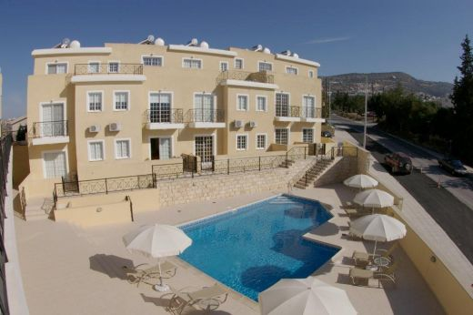 2 Bedroom Townhouse on Small Complex  close to Peyia Centre