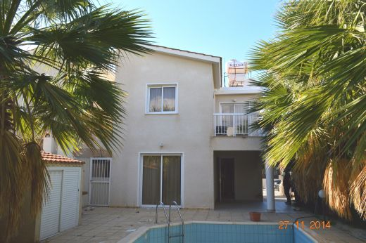 3 Bedroom Linked Villa with Good Potential in Kato Paphos