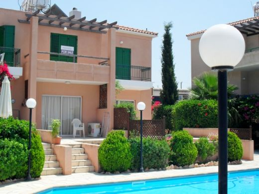 2 Bedroom Townhouse for sale in Peyia
