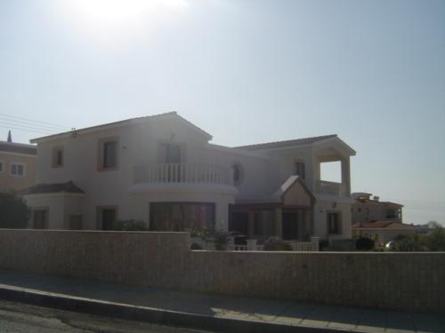 4 Bedroom Luxury Villa in Emba village