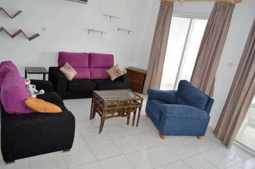 2 Bedroom Spacious Apartment with Sea Views for Rent in Chloraka