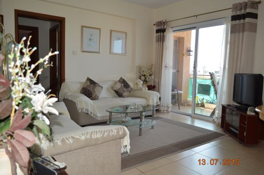 Neat 1 Bedroom Apartment in Small Complex with sea views in Upper Peyia