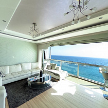 For sale Luxury 3 Bedroom Seafront Apartment ...