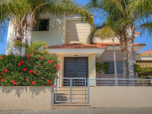 Villa in Limassol with 4 bedrooms, Agios Athanasios
