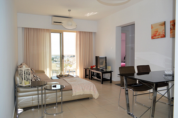 Modern 2 Bedroom Apartment in Well-known Complex for Rent in Unversal Area - Paphos