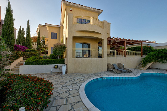 Spacious 4 Bedroom Villa for sale